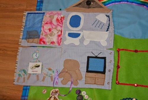 Развивающий коврик для детей... двухэтажный дом - внутри