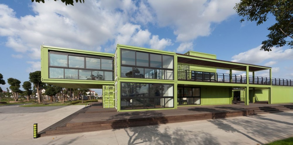 shipping-containers-architecture-tony-s-farm-playze-11.jpg