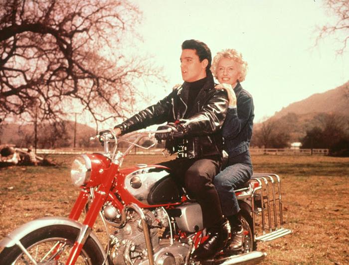 Тайная страсть короля рок-н-ролла. Элвис Пресли и его мотоциклы (16 фото)