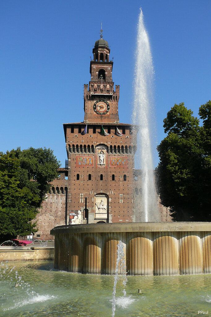 Замок Сфорцеско в Милане