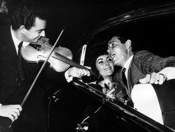 Eddie Fisher Singing A Serenade For Liz Taylor 1961