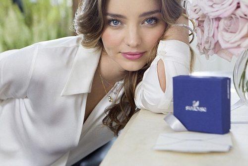 Миранда Керр снялась в рекламе Swarovski