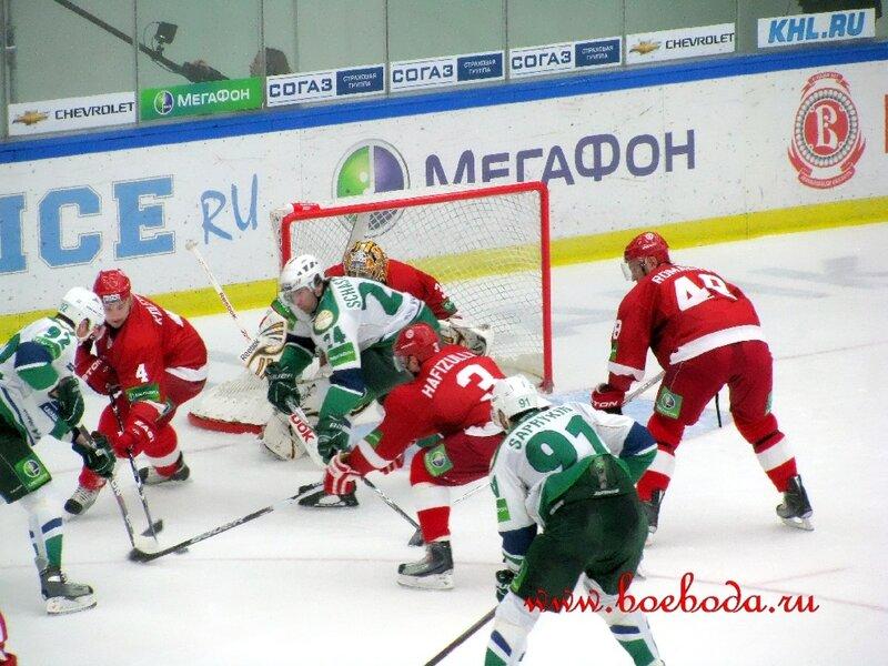 Витязь-Салават Юлаев (Фото).