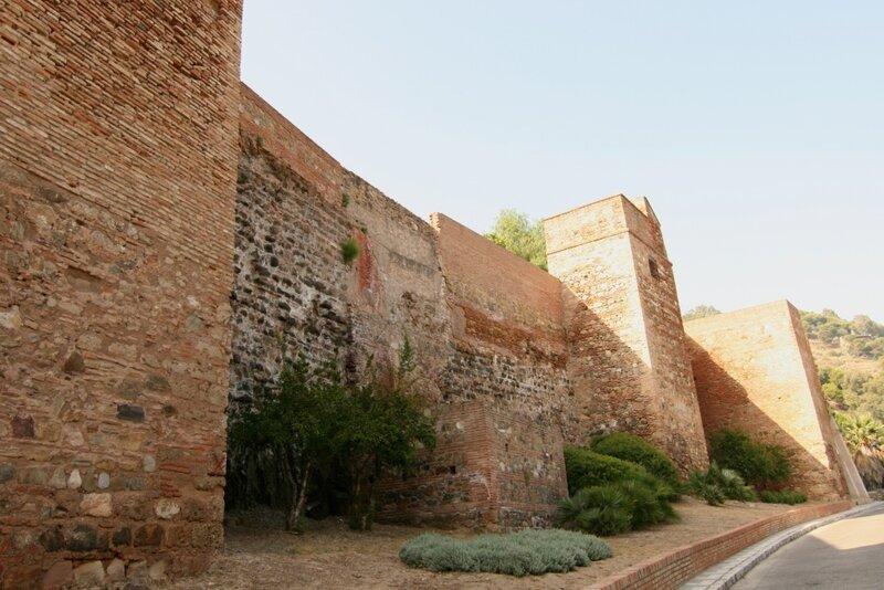 Малага, стены Алькасабы