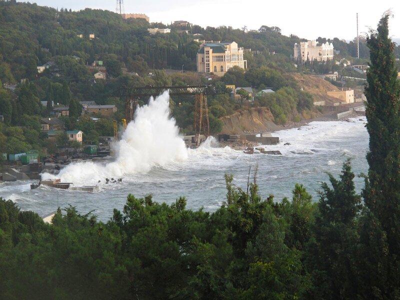 Крым,Симеиз,осень,шторм