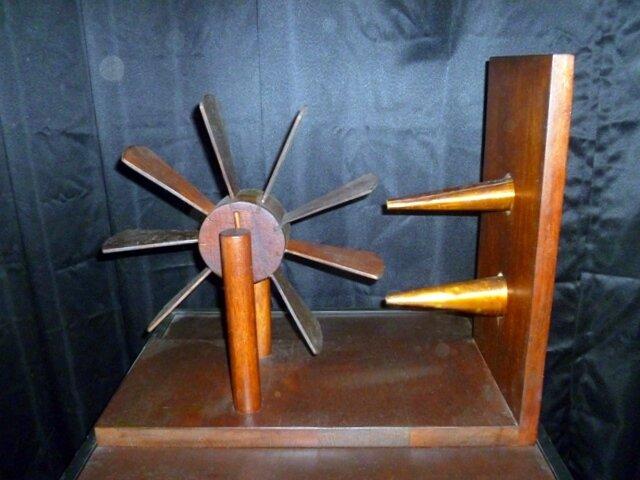 Экспериментальный прибор для измерения скорости воды и ветра