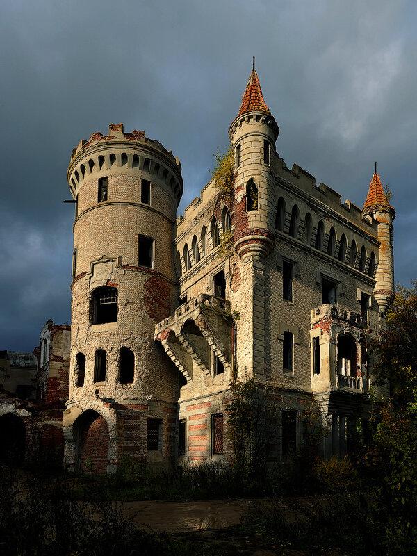 Замок в Муромцево.