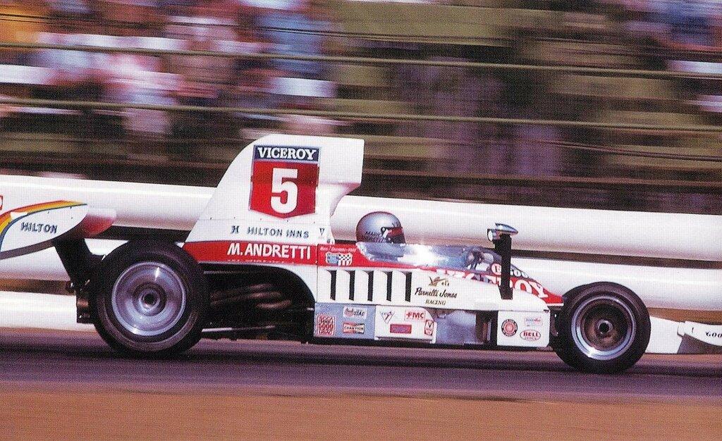 Mario Andretti VPJ Lola T332c Riverside 1975.jpg
