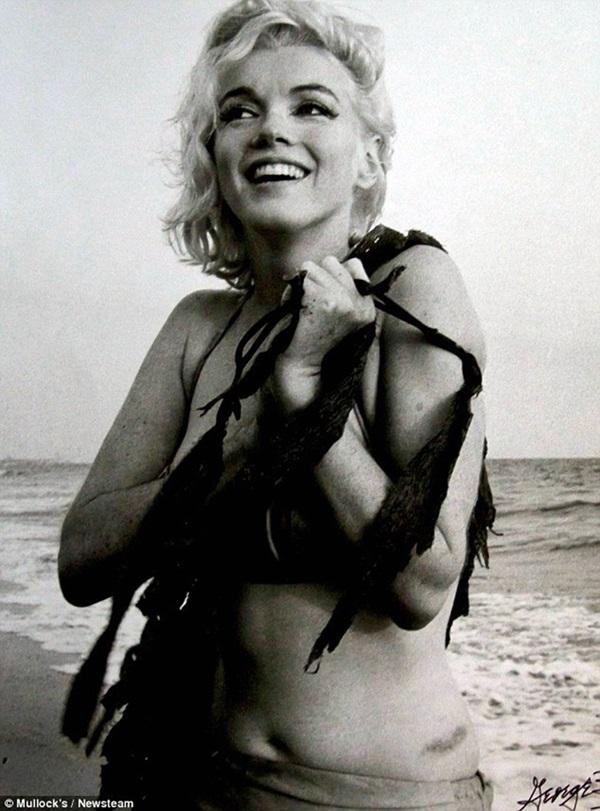 Коллекция редких фотографий Мэрилин Монро выставлена на аукцион