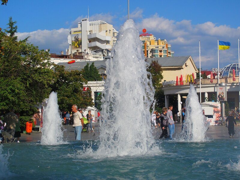 Крым,Ялта,фонтаны