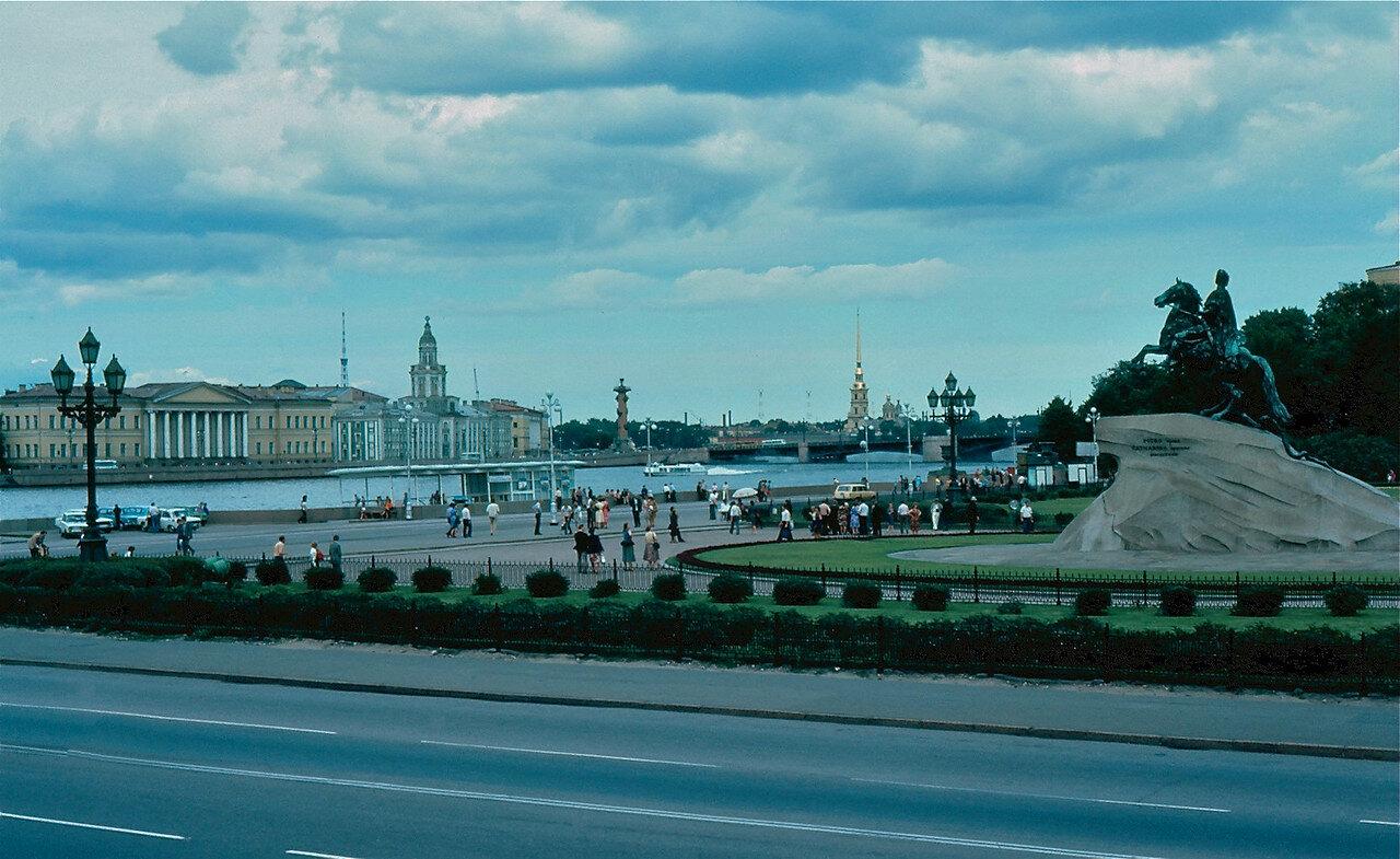 19. Памятник Петру Первому