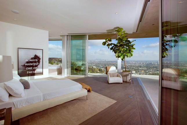Дом в Голливуде с видом на Лос-Анджелес