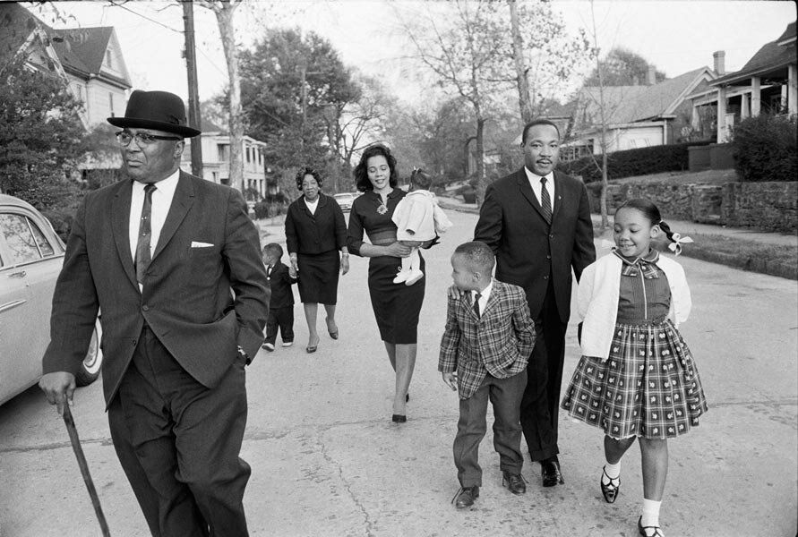 Max Scheler.1964, Atlanta, Martin Luther KING and his family on a sunday walk