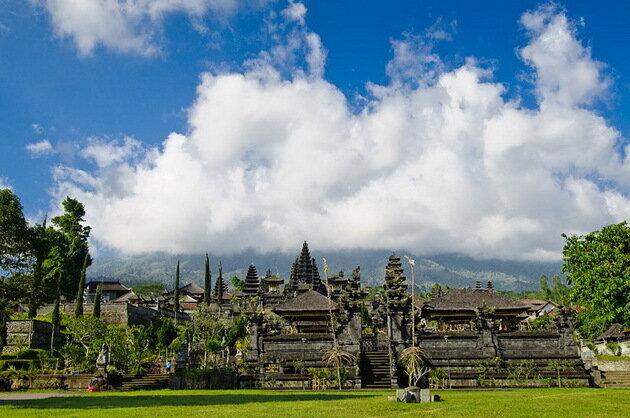 Храм Пура Бесаких (Материнский храм). Бали, Индонезия