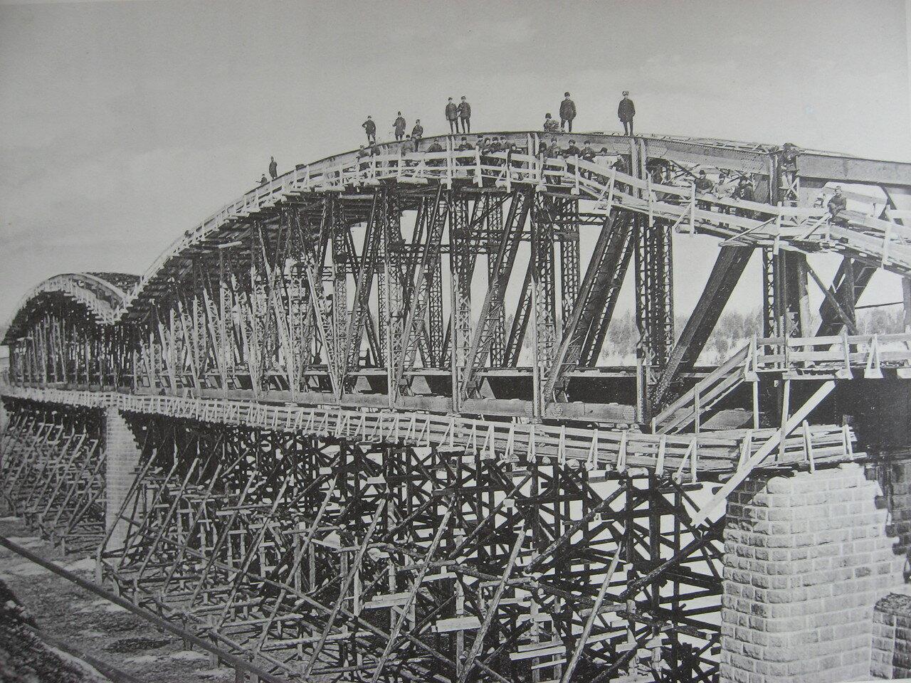 78. 2706 верста. Сборка ферм моста через р. Ию. Строительный период 1910-1911