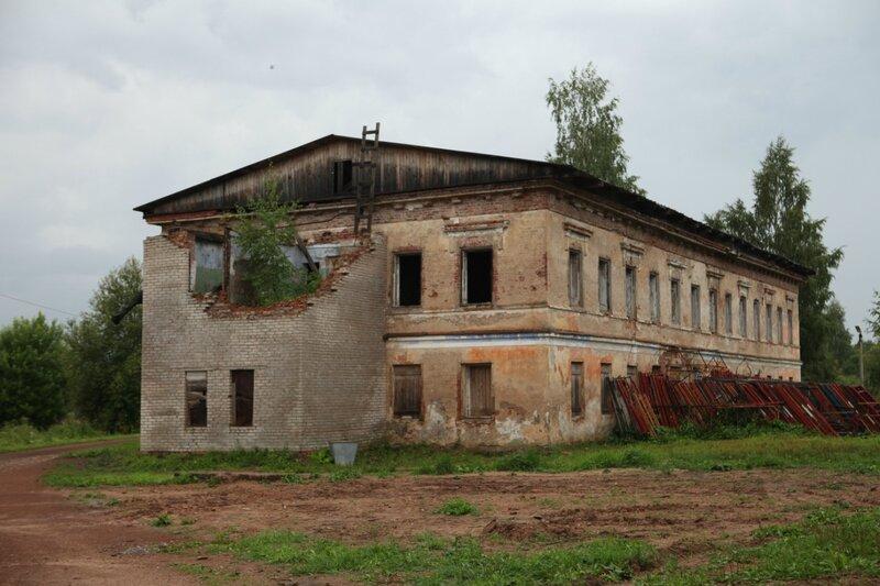 Антониево-Дымский монастырь в Тихвине - монашеские кельи