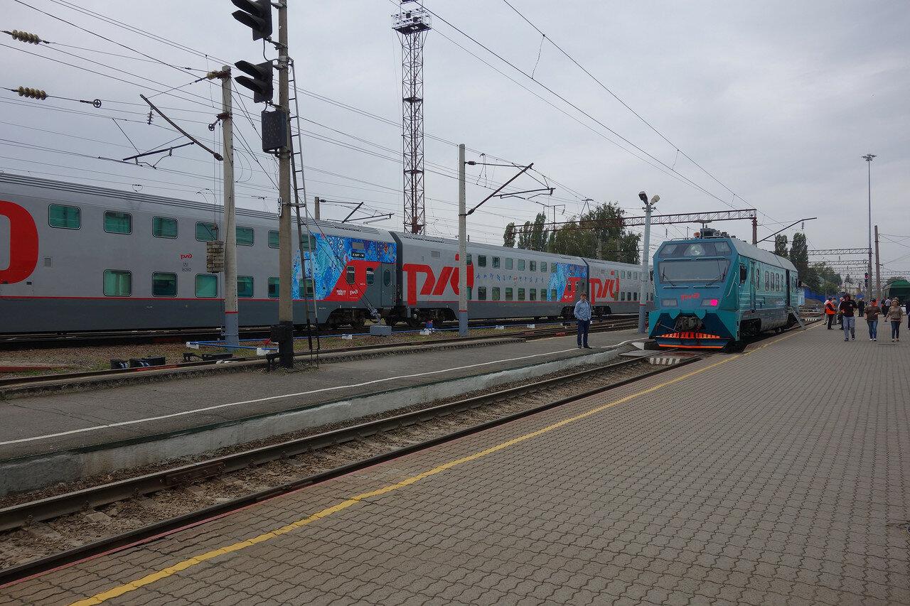 2-этажные вагоны на станции Грязи-Воронежские. И чинуши