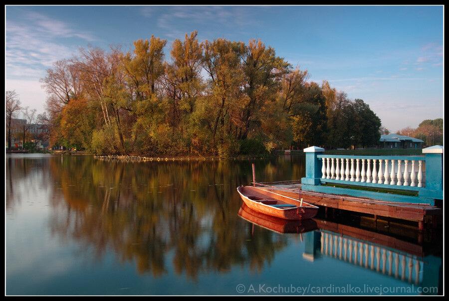 красный октябрь на лодочной