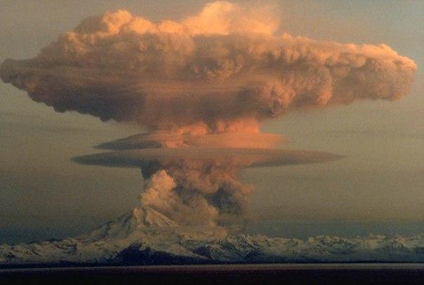 Красивые фотографии: извержения вулканов 0 10f568 56a02329 orig