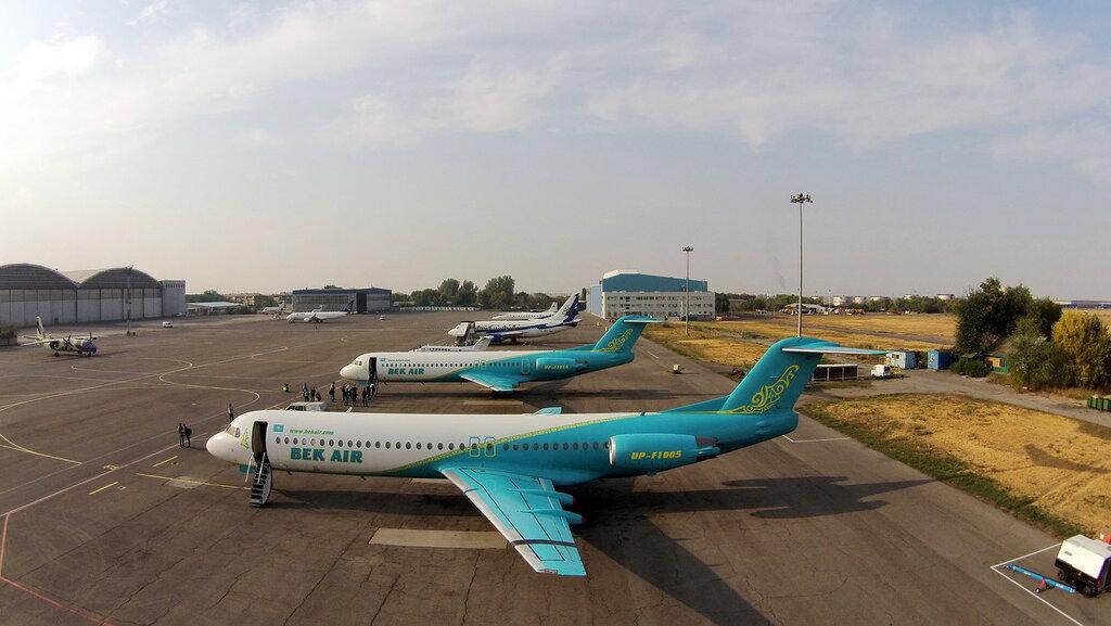 Fokker-100-3.jpg