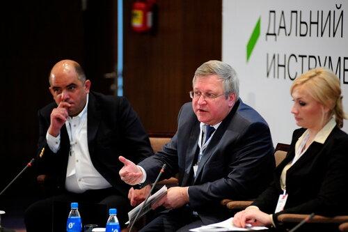 Юрий Крупнов на форуме во Владивостоке