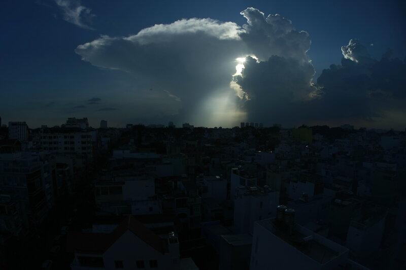 Небо над Сайгоном