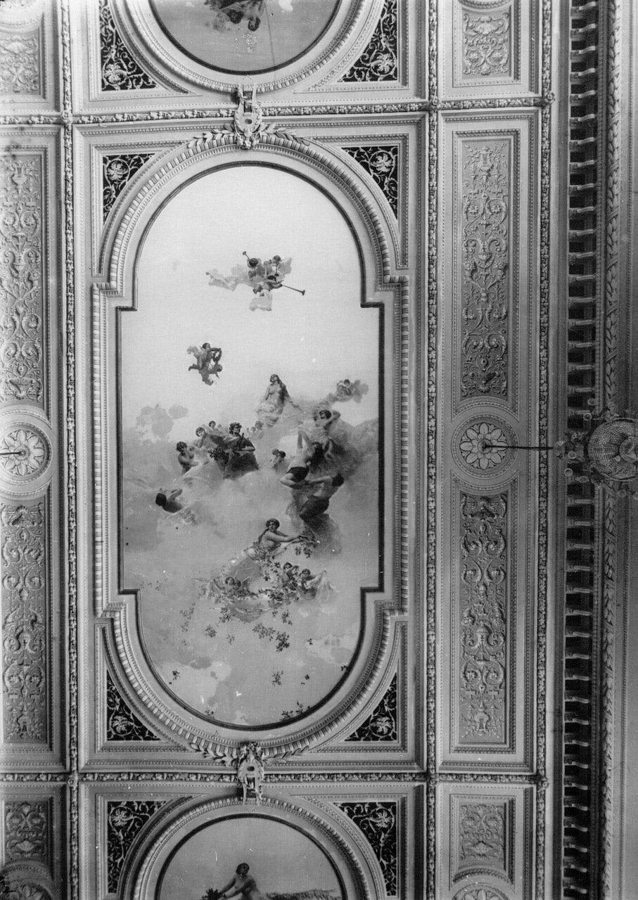 14. Орнамент потолка зрительного зала консерватории