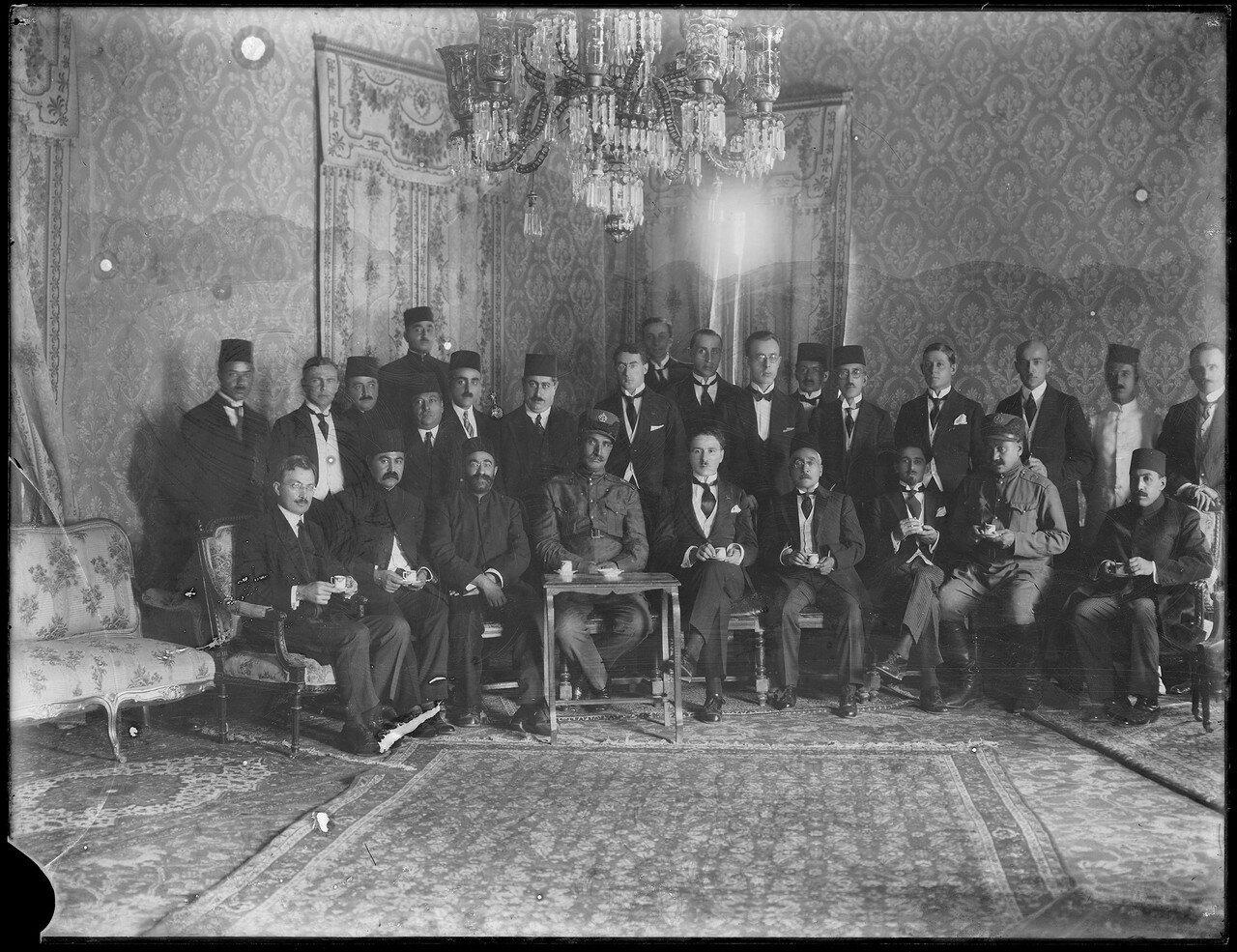 Борис Захарович Шумяцкий, полномочный представитель Советского Союза с шахом Реза Пехлеви и министрами. 1925