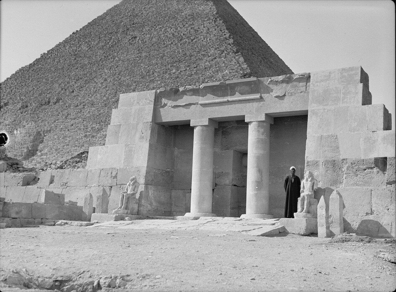 Гиза. Храм Нефру возле Великой пирамиды