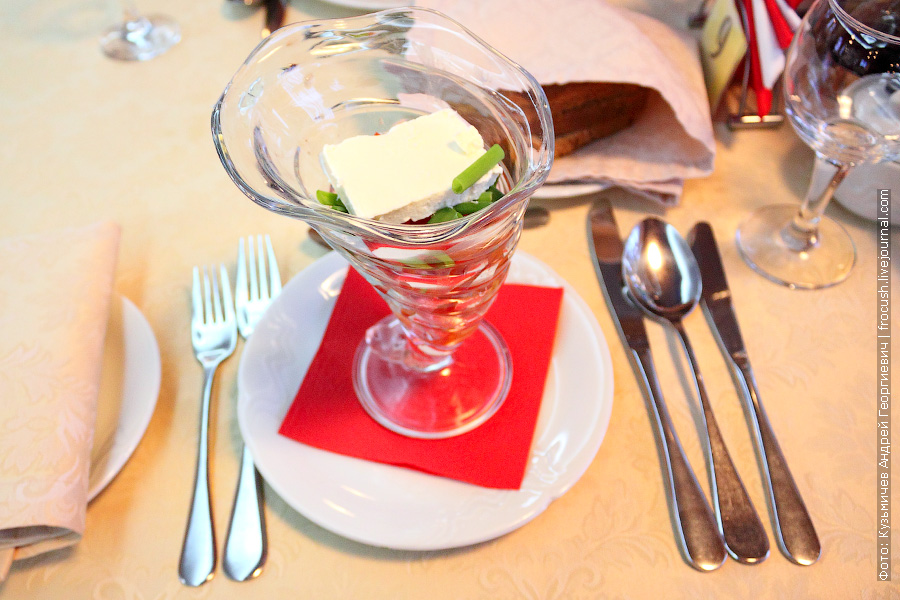 Салат «Шопский» (свежий помидор, сыр фета, зеленый лук)