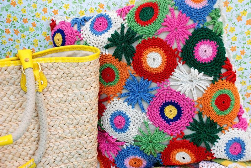 色彩缤纷、琳琅满目的钩针钩花抱枕、盖毯、靠垫 - 钩针姐姐 -  ---钩花博客钩针图解---