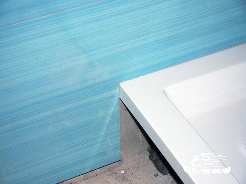 облицовка плиткой на утопленный в стену душевой поддон, подрезка плитки