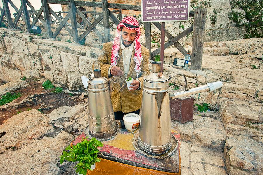 Приготовление бедуинского чая / Preparation of Bedouin tea