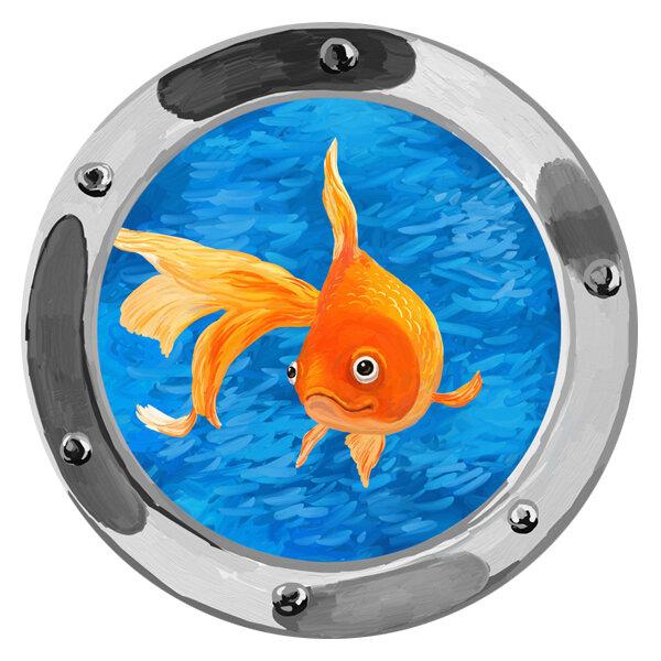 золотая рыбка в иллюминаторе