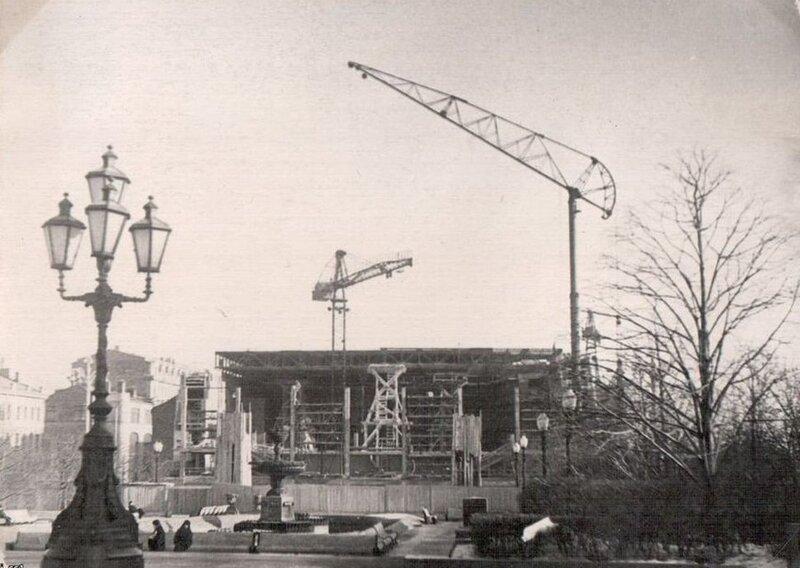 60-е, из архива i_ss1. Строится кинотеатр Россия