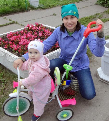 С доченькой-велосипедисткой