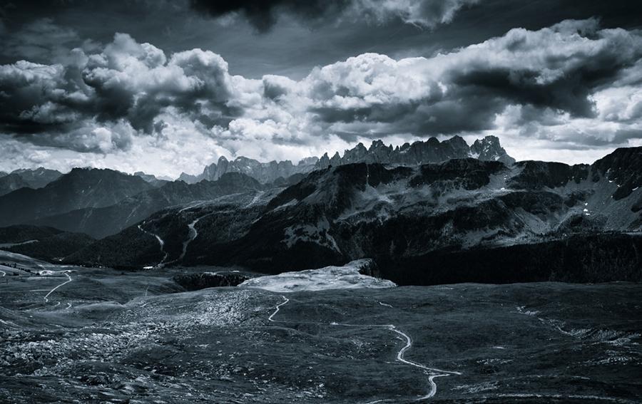 Доломитовые Альпы (ч/б фото). Фотограф Jakub Polomski