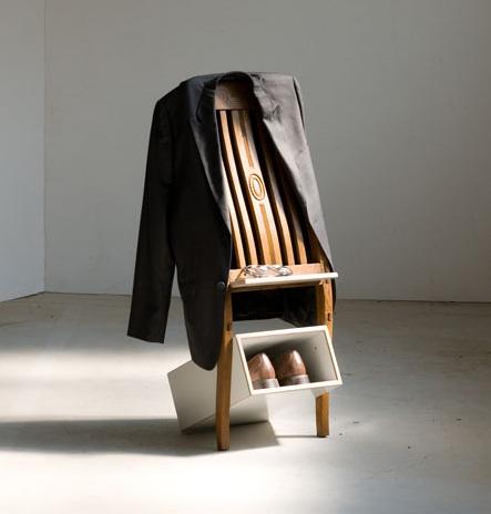 Вешалка из спинки стула
