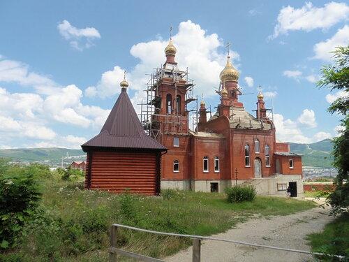 Церковь Александра Невского в Цемдолине