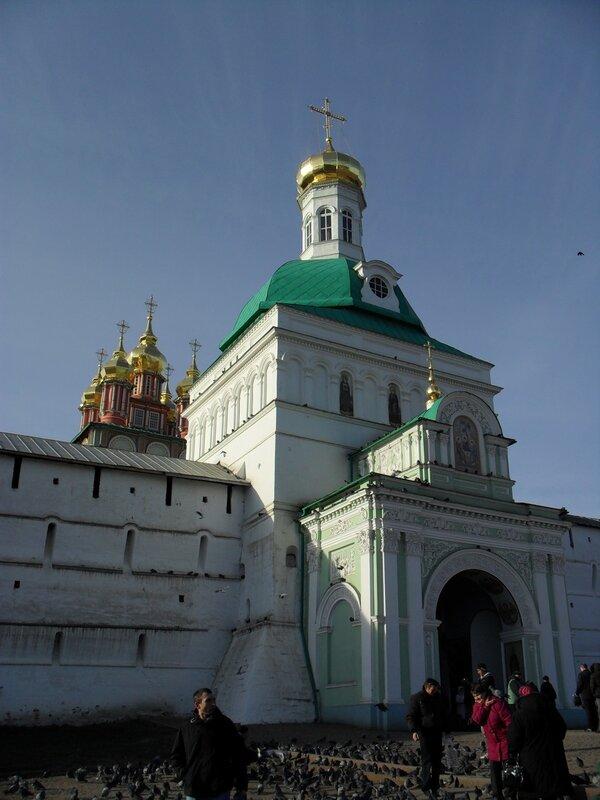 Святые ворота. Свято-Троицкая Сергиева Лавра 040.JPG