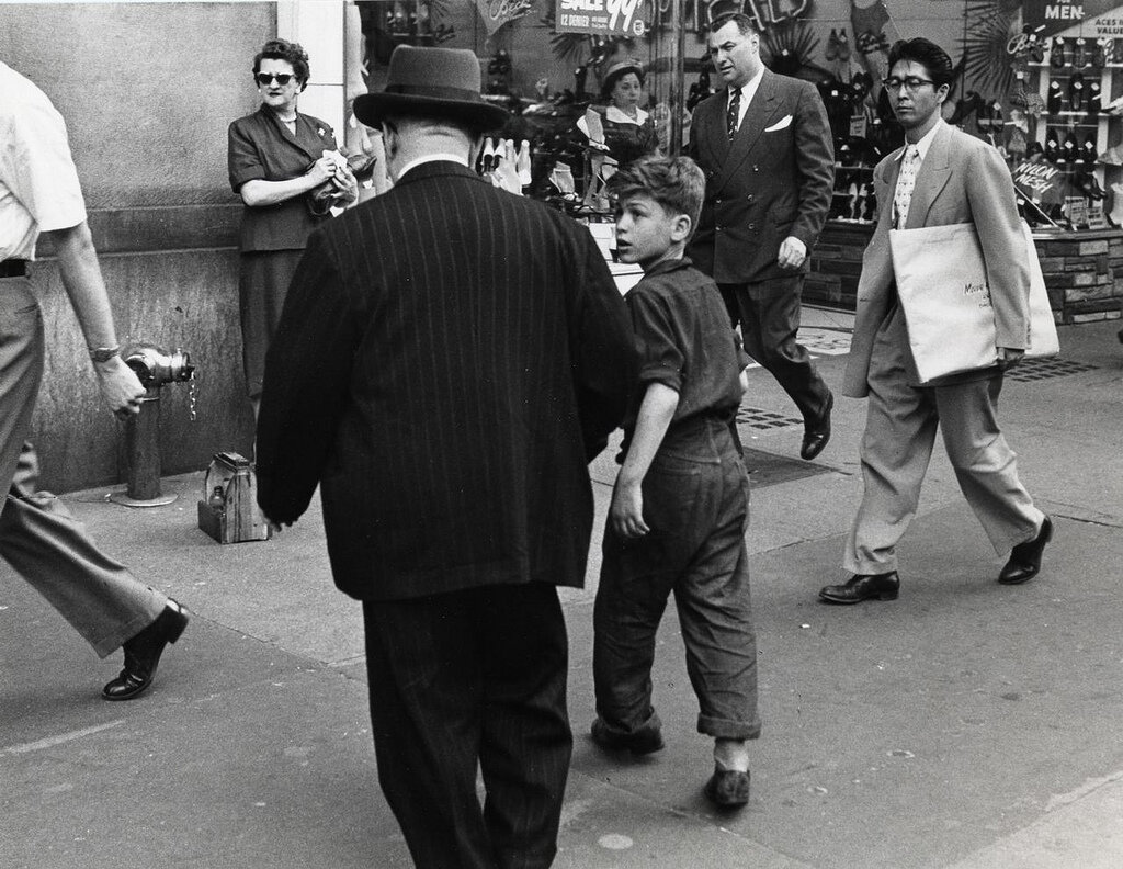 Ruth Orkin, Shoeshine Boy, Street Scene, 1948