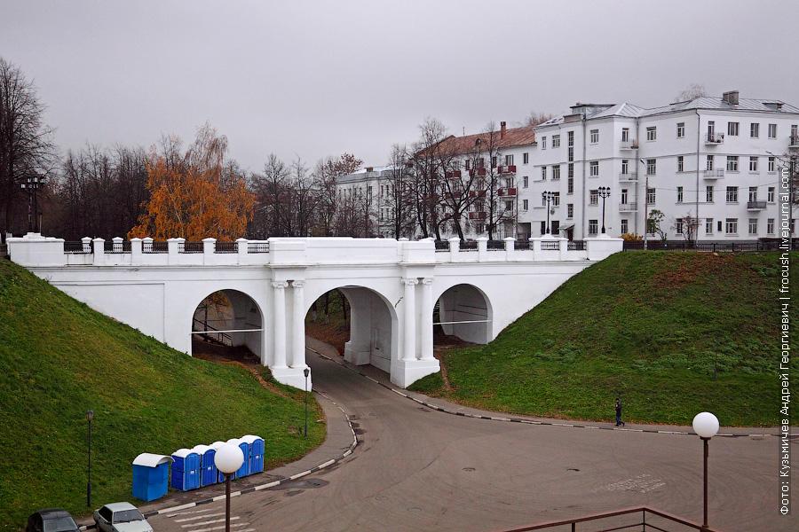 Мост в конце Красного съезда