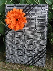 Бумажный цветок для упаковки