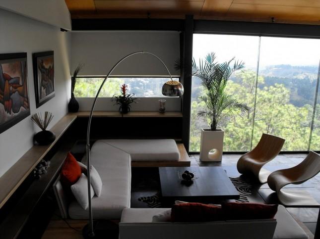 Особняк на склоне горы в Гватемале
