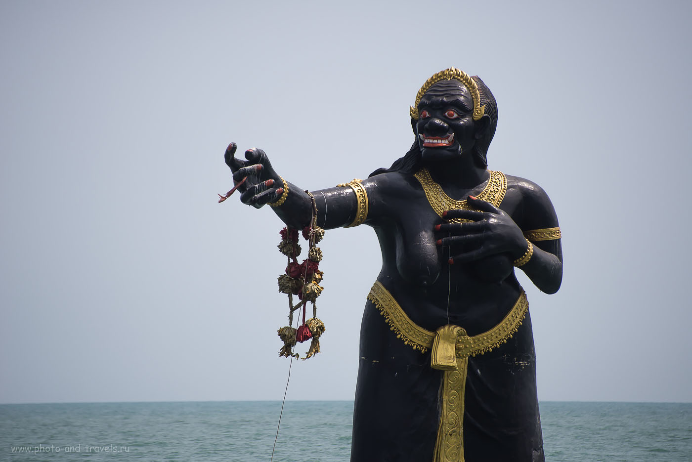 Фото 13. Вот она - Чёрная Бабища по имени Nang Phisua Samut, что означает Морская Бабочка. Интересные места недалеко от города Хуахин в Таиланде.