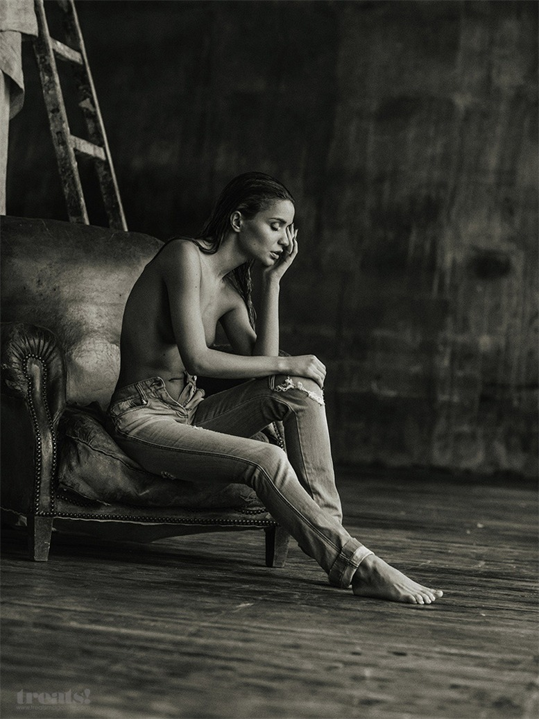 Ничего кроме джинсов на Екатерине Зуевой / Ekaterina Zueva by Serge Lee in Treats