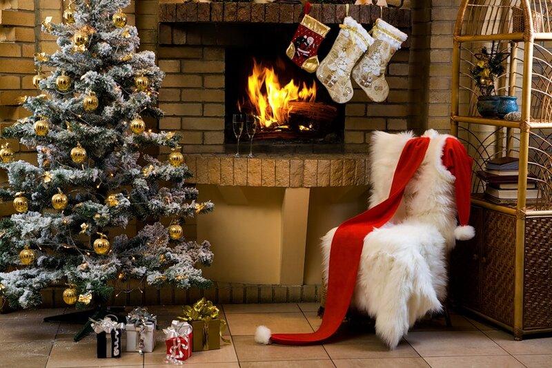 елка, шампанское, бокалы, камин, Рождество, праздник, подарки.