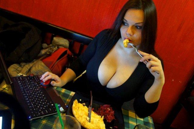 Мария (Мия) Зарринг - 12 размер бюста ... http://img-fotki.yandex.ru/get/5822/130422193.8e/0_6fb7d_b6683ff2_orig