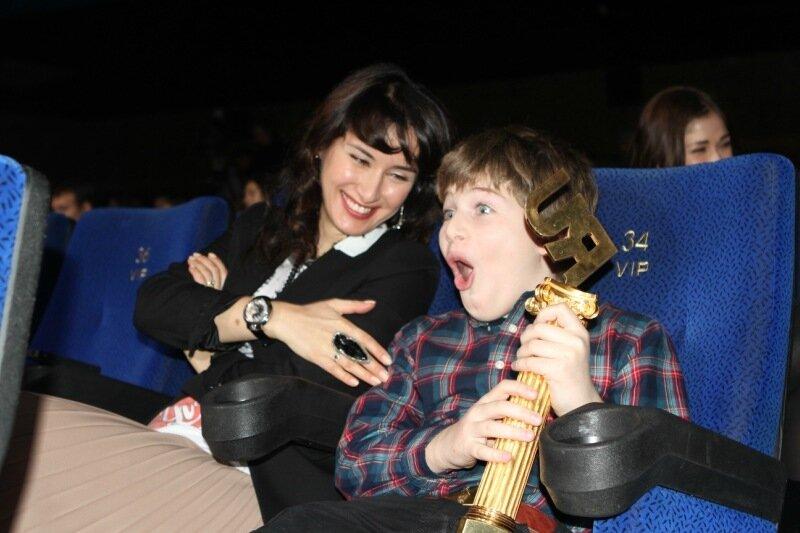 Тина Канделаки с сыном на Премии Рунета