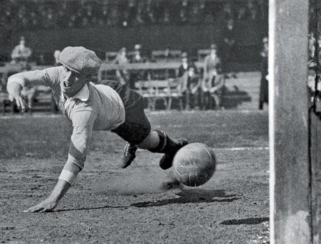 Кто был первым российским футболистом легионером